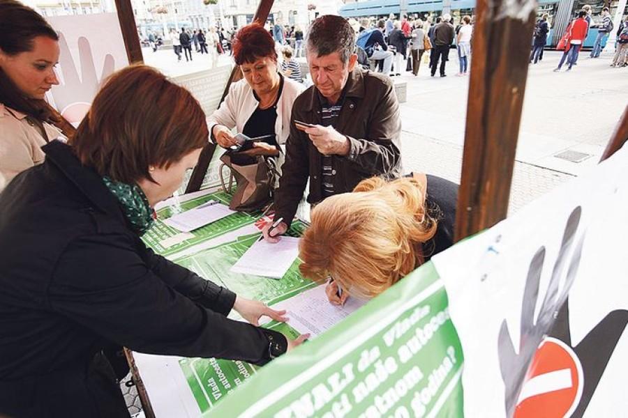 U referendume se ne bi smjeli petljati političari koji su se oko toga već kompromitirali