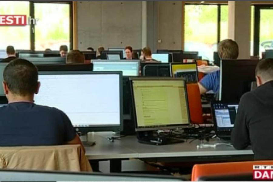 Informatika obvezna, a nitko je ne želi predavati: u IT sektoru informatičari zarađuju dvostruko više
