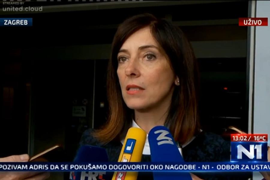 VIDEO: Ministricu Blaženku Divjak puno toga smeta, a za objašnjenje smanjena plaće kaže da treba vidjeti što se prije isplaćivalo