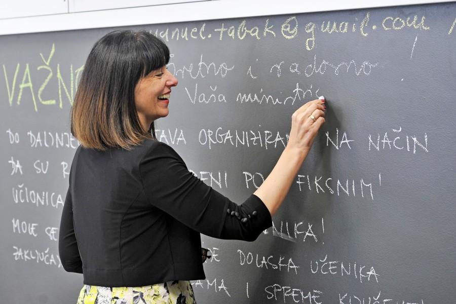 Obećanje ludom radovanje Ipak ništa od povišice: Profesorima iz 'Škole za život' dodatno će se plaćati samo prekovremeni rad
