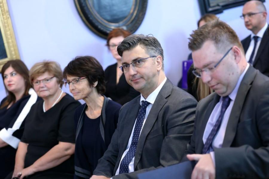 Dodijeljeno 36 ugovora za projekte iz EU socijalnog fonda, u vrijednosti oko 75,9 milijuna kuna